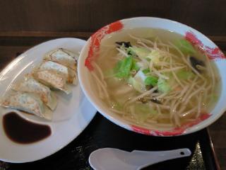 西八王子駅前100円ラーメン『まんぷくてぃ』